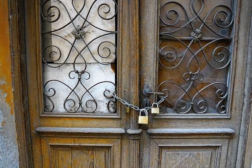 פריצת דלתות ישנות בבאר שבע